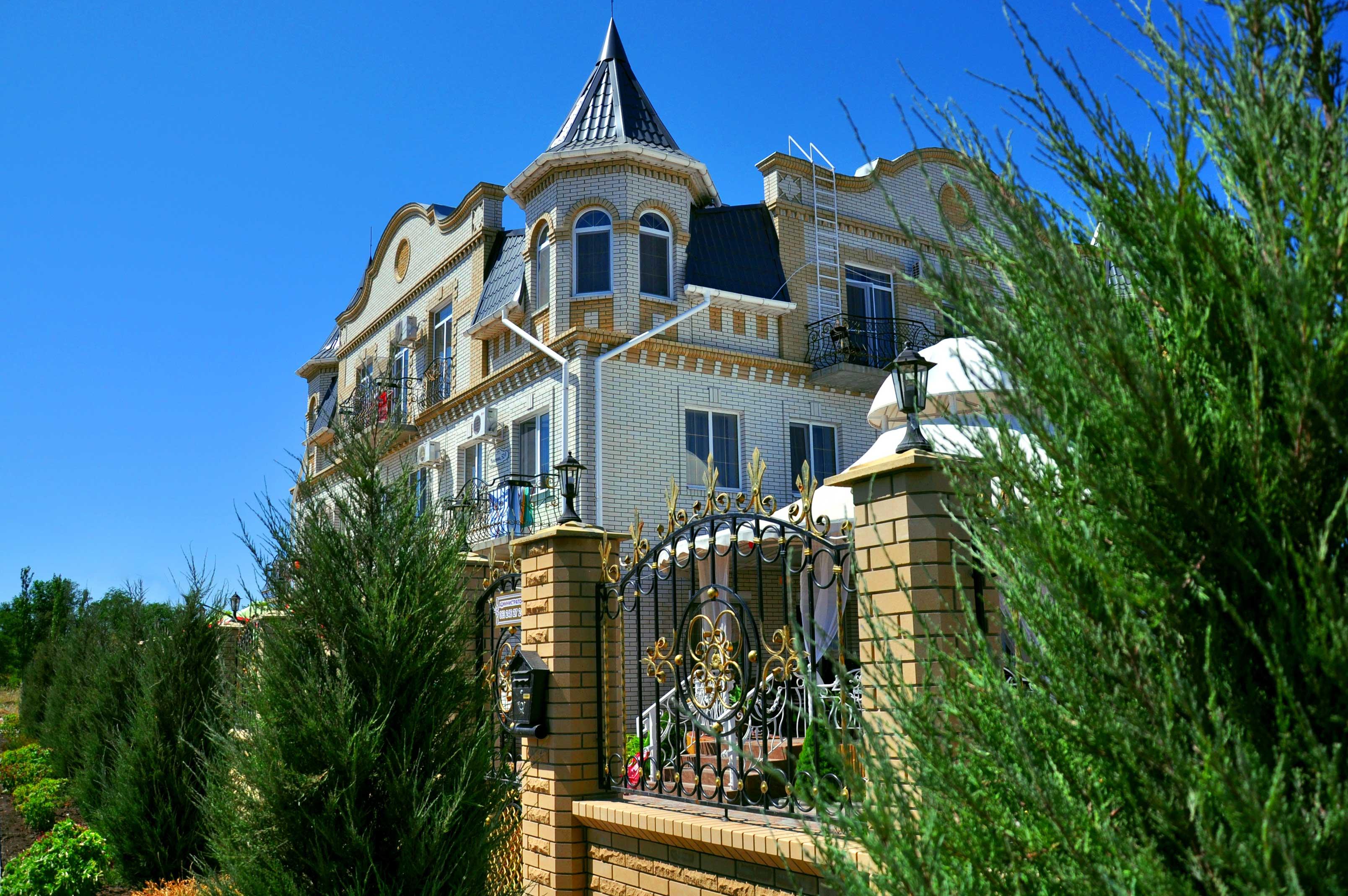 Отдых в Бердянске — гостиница Афина